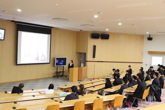 【発酵食品学科】「平成28年度卒業論文発表会」を開催しました