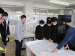 【日本語教育研究センター】中部中学校の生徒のみなさんと年賀状を交換しました