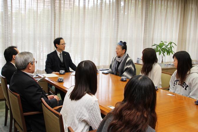 育ドル娘が佐藤樹一郎大分市長を表敬訪問しました