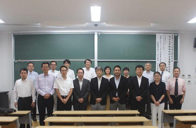 【戦略的研究基盤形成支援事業】中間発表会が行われました