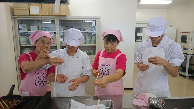 【食物栄養学科】「学生の健康は、学生の手で」食育カフェが開催されました。