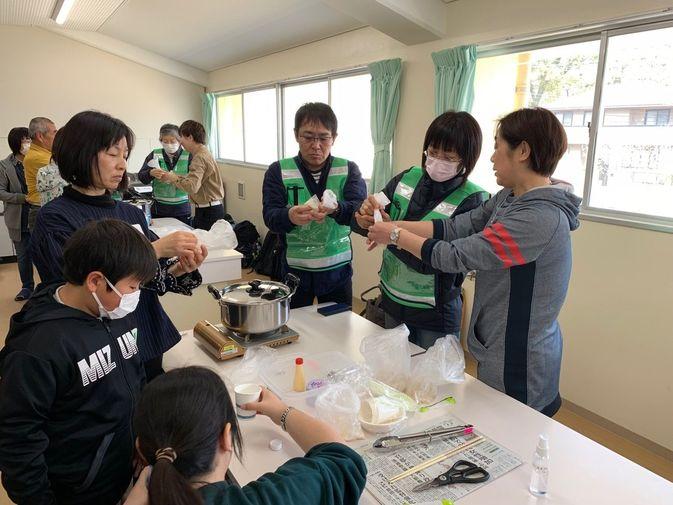 【食物栄養学科】地域の子供達を対象とした災害時の食作り体験を実施しました
