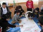【日本語教育研究センター】「コスモスを描こう!」豊後高田市立呉崎小学校と留学生と日本人学生の交流と合同美術授業