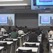 松山短期大学の「地域デザイン論Ⅰ」で飯沼学長がオンラインで講義を行いました